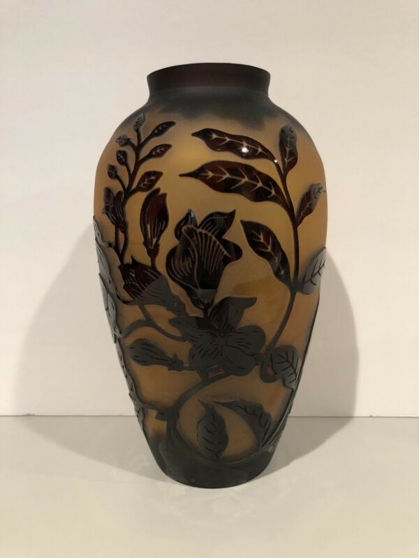 VINTAGE CAMEO GLASS VASE ART NOUVEAU FLOWERS BROWN AND BLACK EXTREMELY RARE!