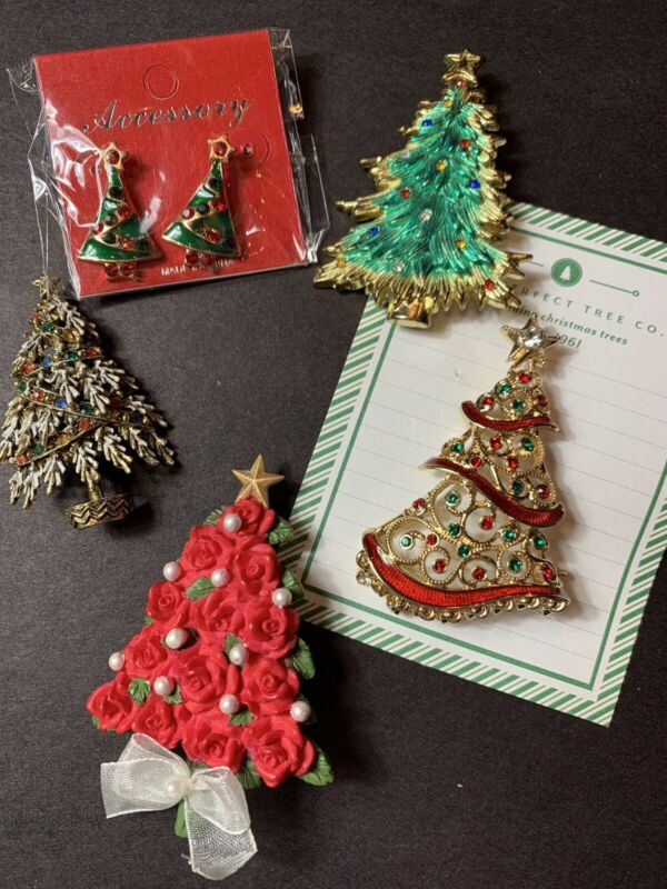 Lot of 5 Vintage Christmas Holiday Brooches/Pins/ Earrings