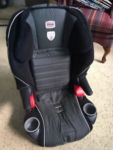 Britax Frontier XT carseat Good condition!