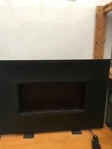 Electric heater/fireplace