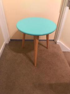 Bedside table / side table / kids table