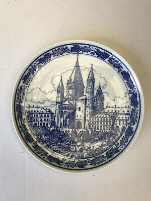 Perfect Collectable Wall Plate Hutschenreuther Mainz Cathedral & Outdoor Market