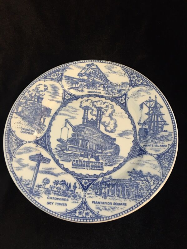 vintage CAROWINDS N. & S. CAROLINA Souvenir Collector PLATE blue & white