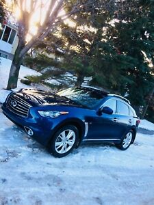 Infinity QX70 2015 low kms excellent condtion