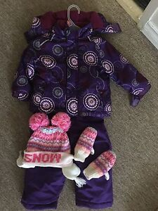 Snow pants,gloves and hat for girls