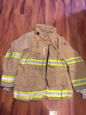 Firefighter Globe Turnout Bunker Coat 44x32 G-xtreme 2008 No Cut Out