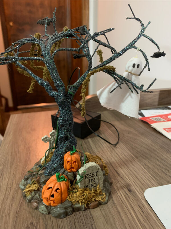 Dept 56 Snow Village Halloween - Lit Graveyard Tree #53129 - EUC W/Original Box