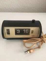Elgin Model 8545 Electric Flip Clock-Works