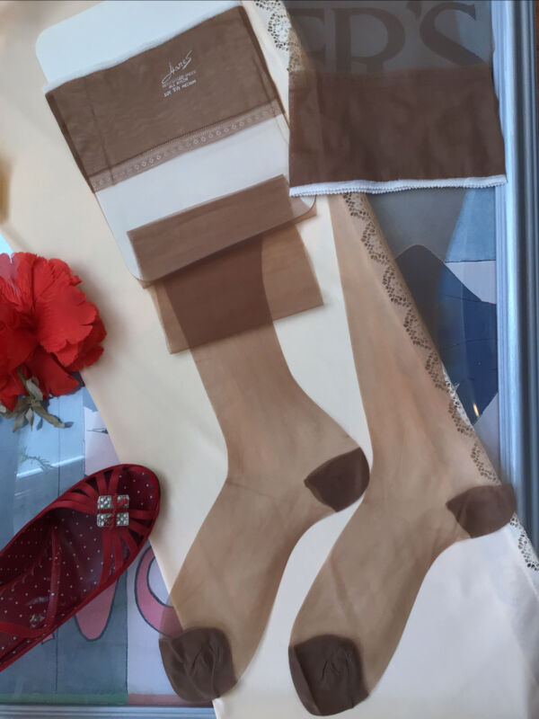 "HANES vintage RHT nylon stockings  - Reinforced Sheer - Size 9.5M 32"" Long"