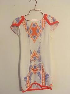 Morning Mist dress, white and orange, size 8 Kingsley Joondalup Area Preview
