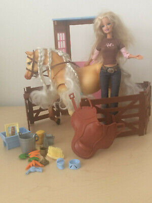 BARBIE DOLL & TAWNY THE WALKING HORSE DREAM STABLE & ACCESSORIES MATTEL 2006