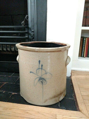 Antique 4 Gallon Stoneware Crock - Blue Bee Sting - Attributed to Red Wing
