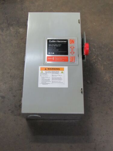 CUTLER HAMMER FUSIBLE SAFETY SWITCH DH363FGK 100 A AMP 600V 3P 3 POLE - USED