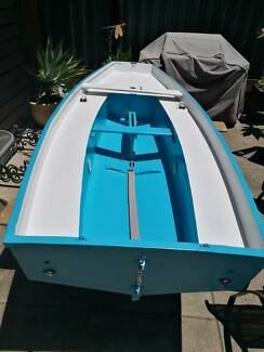 9ft3in Mirror sailing dinghy.