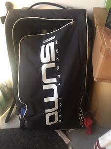 Sumo hockey goalie bag