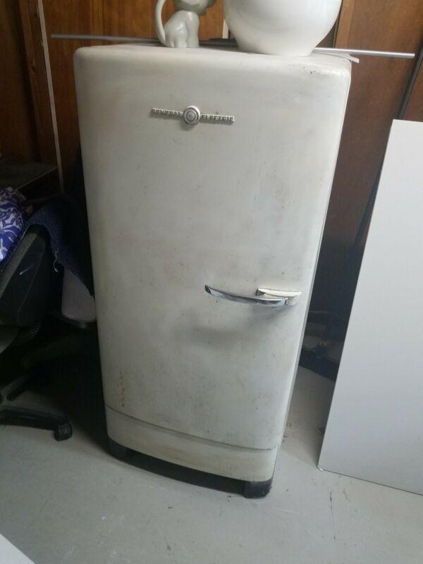 1946 GE Refrigerator