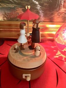 Lovers and pets music wooden box