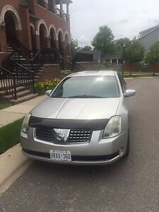Nissan Maxima 2005, 3.5 L  SE , silver ( fully loaded )