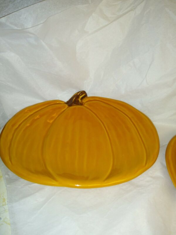 Pottery Barn Pumpkin Dishes (2)