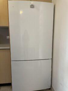 Kelvinator 528 L bottom mount refrigerator