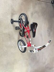 Bicycle Rockit with removable training wheels