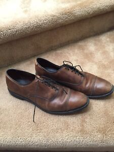 Dress shoes leather size 10,5