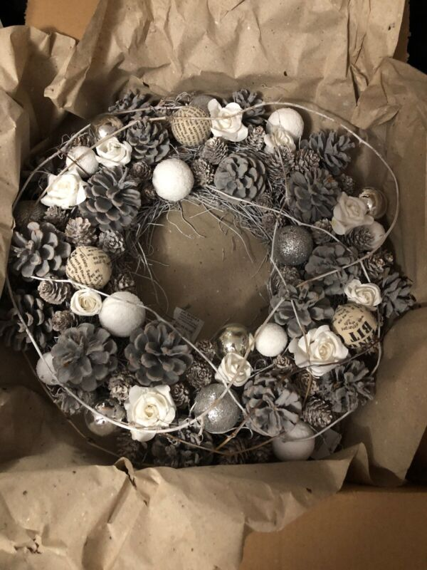"Pier 1 Imports 16"" Grapevine Christmas Wreath White Gray Silver NIB"