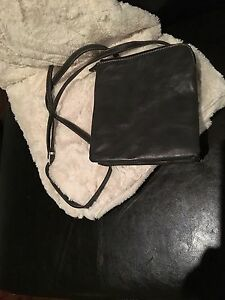 LOWER PRICE!!! Great for travel :D Grey Cross-Body purse Kitchener / Waterloo Kitchener Area image 3
