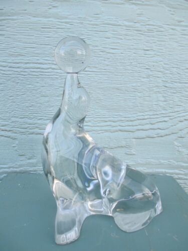 VINTAGE figurine CLEAR glass SEAL with BALL seashore NAUTICAL decor