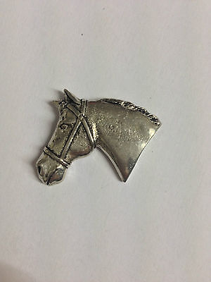 Code Q107 Horse Head Solid Fine English Pewter Pin Lapel badge