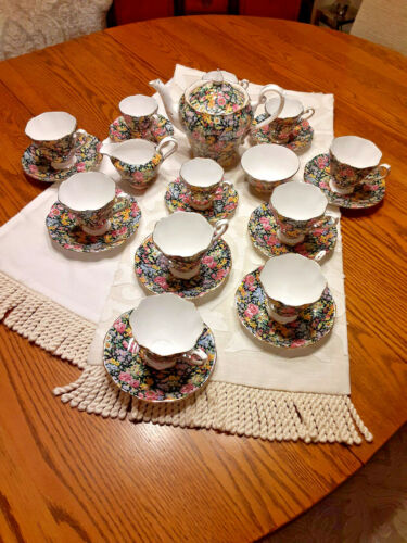 "Vintage Royal Standard English ""Daffodil Chintz"" 26 Piece Tea Set"