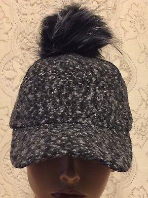 Ball And Chain Hat (Women Winter Baseball Cap Black-White Hat With Pom Ball And Key Chain With Hook )