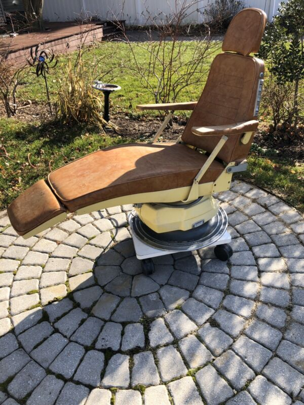 Vintage Ritter Hydraulic / Adjustable Dentist Dental Barber Chair