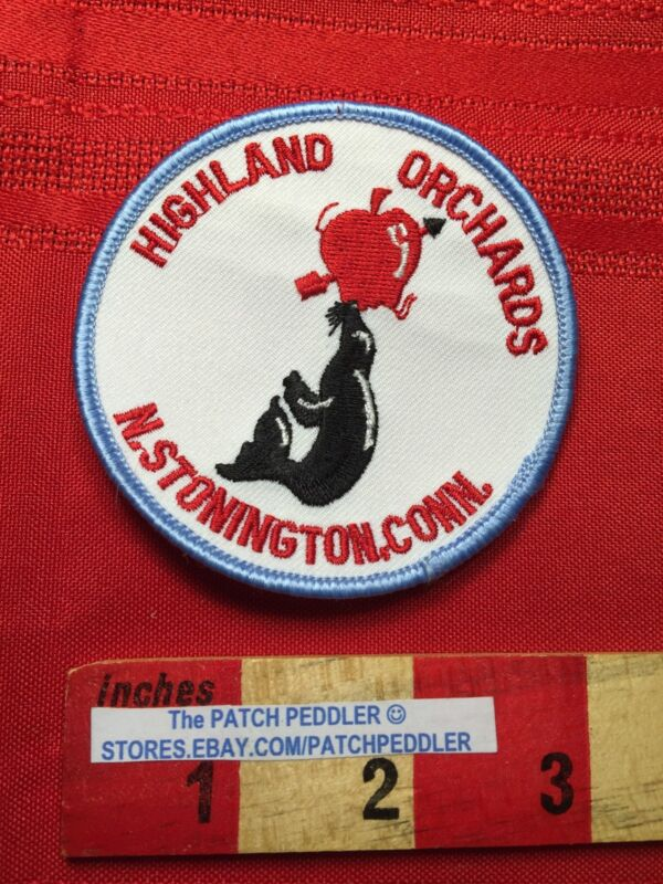 Resort Park HIGHLAND ORCHARDS NORTH STONINGTON Connecticut Patch Trick Seal 63S