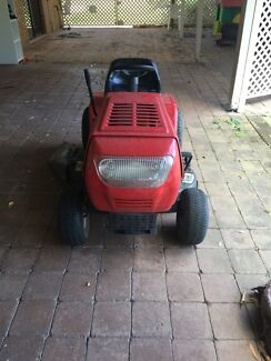 MTD Ride on Mower Approx 8yrs Old Great Condition Runaway Bay Gold Coast North Preview
