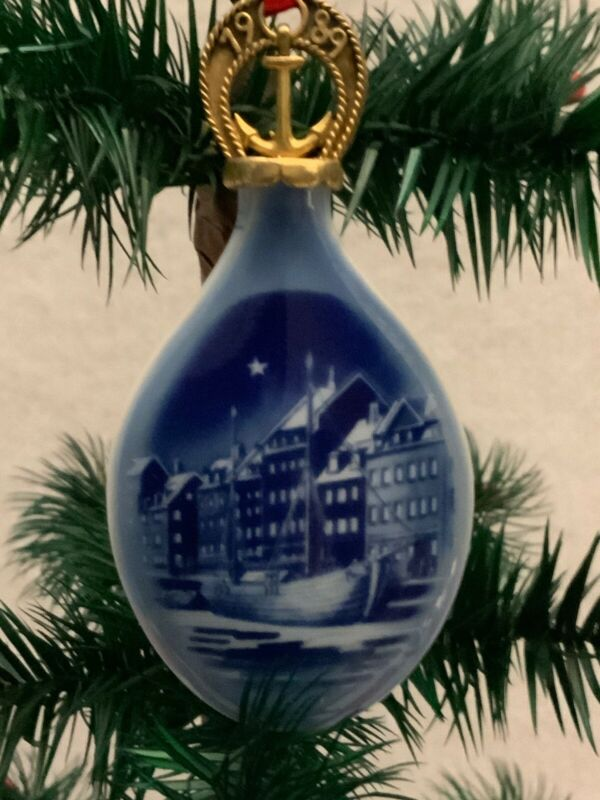 BING AND GRONDAHL CHRISTMAS Ornament 1989 Blue With Original Box