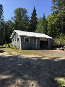 Paradise property for hunters and outdoorsmen in country