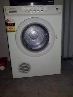 electrolux 6 5kg sensor dryer. electrolux sensor dry - 6kg clothes dryer (edv605) 6 5kg