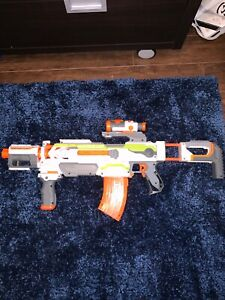 Two exclusive nerf gun(ALMOST NEW) mint condition