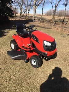 2017 Lawn tractor for sale