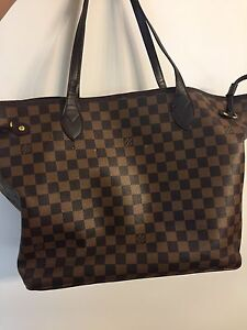 Large LV bag never used