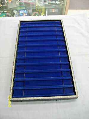 14 -- Vintage Velvet 12 Bracelet Display Tray Case