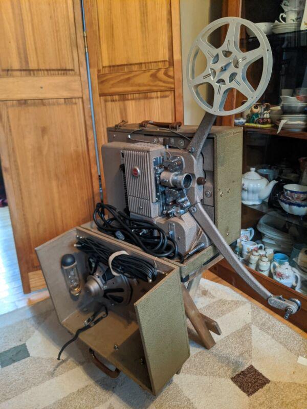 Vintage Kodak Projector Kodascope Pageant Sound Projector W/ New Bulb Model 1