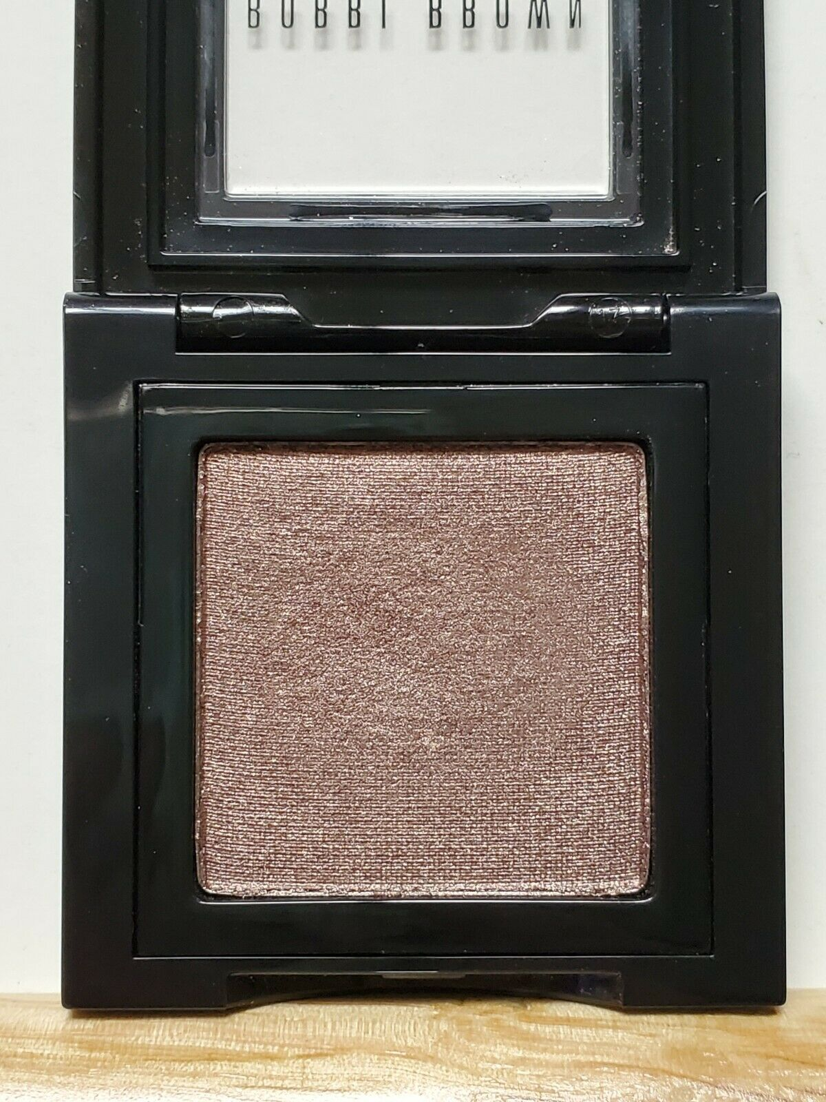 Bobbi Brown VELVET PLUM 3 Metallic Eye Shadow 0.10 Oz. SEE DETAILS  - $9.95