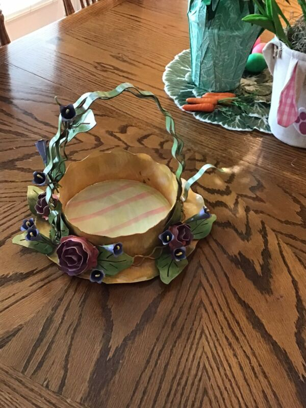 Easter Basket by The Round Top Collection