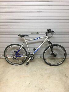 Apollo summit mountain bike. (Pick up only)