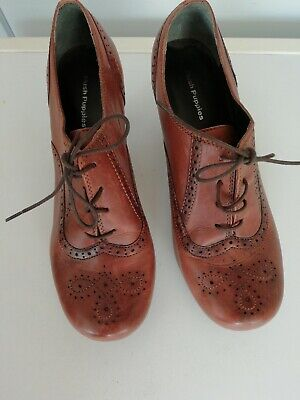 Hush Puppies Brown Tan Boots Size 8 Victorian Steampunk Lace Up