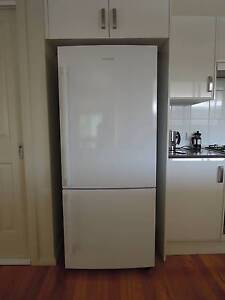 Near new 458L Samsung Bottom Mount Refrigerator (SRL457MW) Singleton Singleton Area Preview