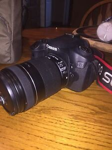 Canon EOS 60D DSLR CAMERA-18-135mm lens included