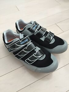 Pearl Izumi Women's cycling shoes